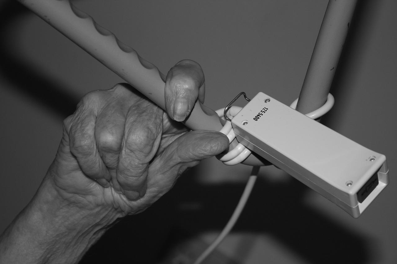 Maisons de retraite : Sous-effectif, manque de soins… Les Ehpad, un système au bout du rouleau